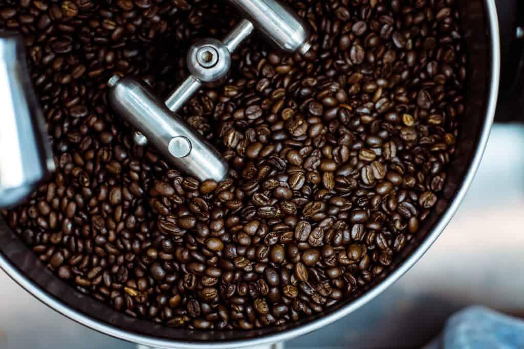roasting-coffee